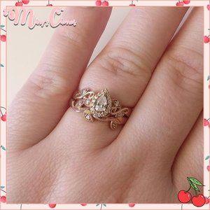 🍒 Leafy Pear Halo Diamond Bridal Set
